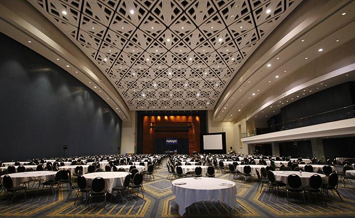 Конференц-центр Уолтера Вашингтона: интерьер помещения