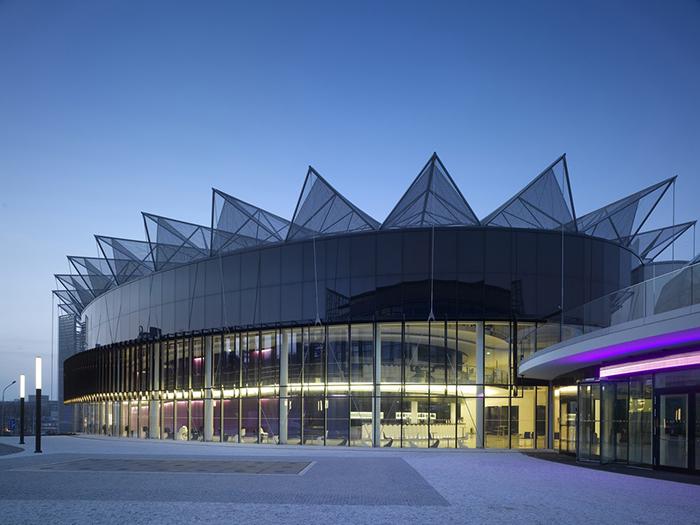 Конференц-центр в Злине, Чехия: ночной кадр