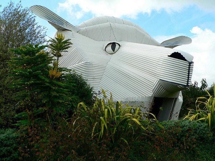 Магазин шерсти в форме овцы  в Тирау, Новая Зеландия