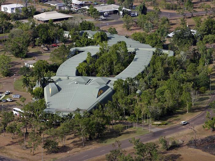 Отель Holiday Inn в форме крокодила в Джаберу, Австралия