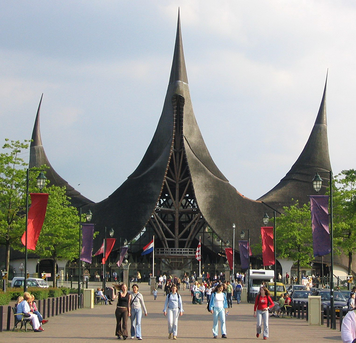 Парк развлечений «Эфтелинг» в Катсхёвеле, Нидерланды