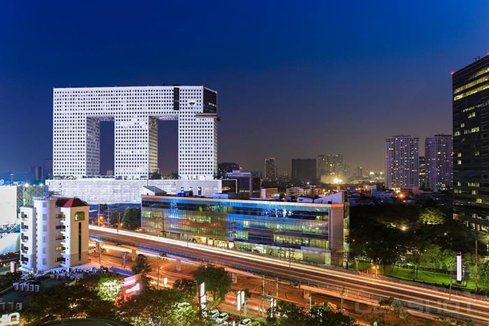 Небоскреб в форме слона в Бангкоке: ночной кадр