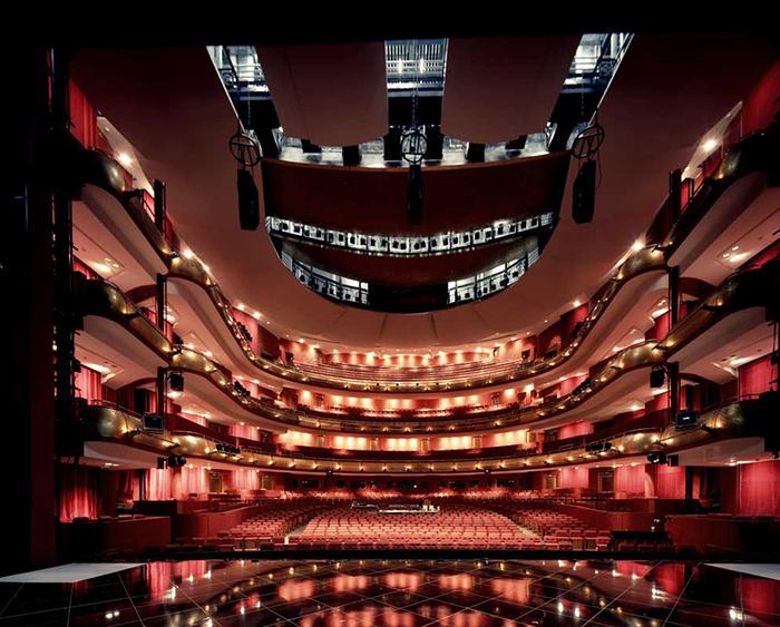 Театр 'Эспланада' в Сингапуре: интерьер зала