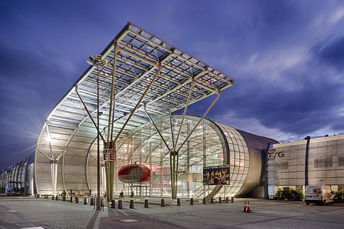 Выставочный центр Targi Kielce в Кельце: ночной кадр