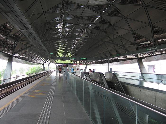 Станция метрополитена в Сингапуре