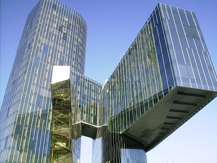 Штаб-квартира компании по переработке природного газа Gas Natural