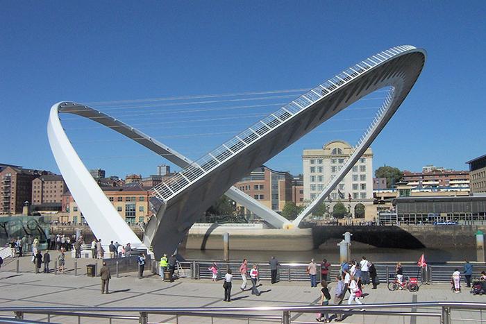 Мост 'Миллениум' в Гейтсхеде, Великобритания