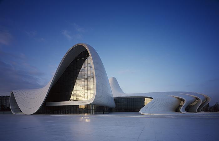 Культурный центр имени Гейдара Алиева в Баку, Азербайджан