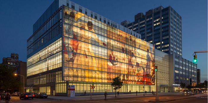 Невероятный художественный фасад здания госпиталя