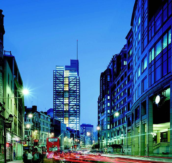 Небоскреб «Герон-Тауэр» в Лондоне: ночной кадр