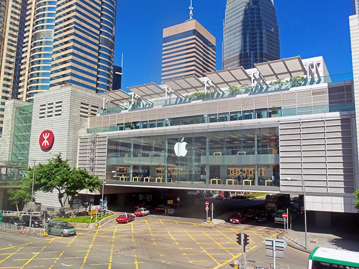 Магазин Apple в торговом центре Гонконга