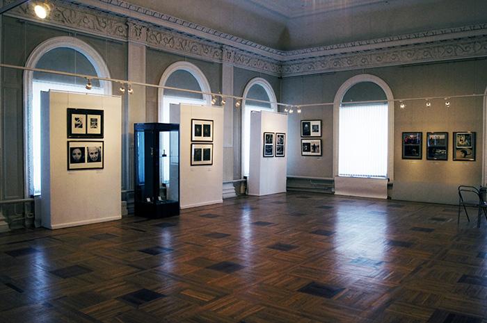 Нижегородский государственный художественный музей: интерьер выставочного зала