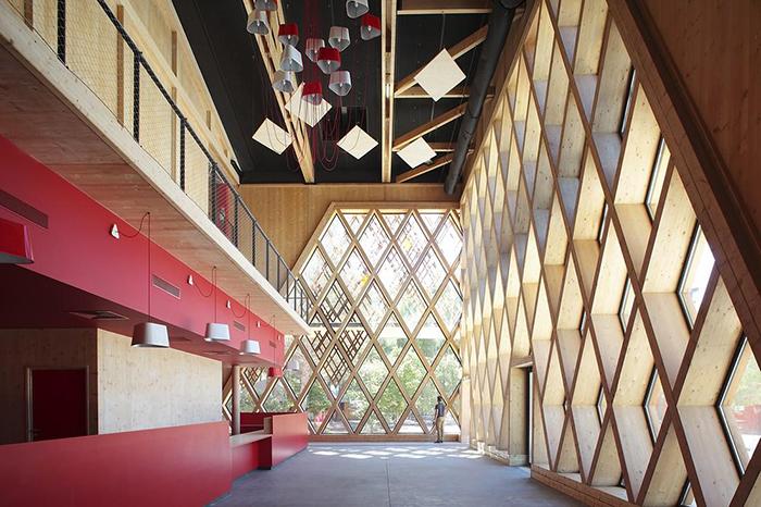 Театр Жана-Клода Каррьера в Монпелье: интерьер помещения