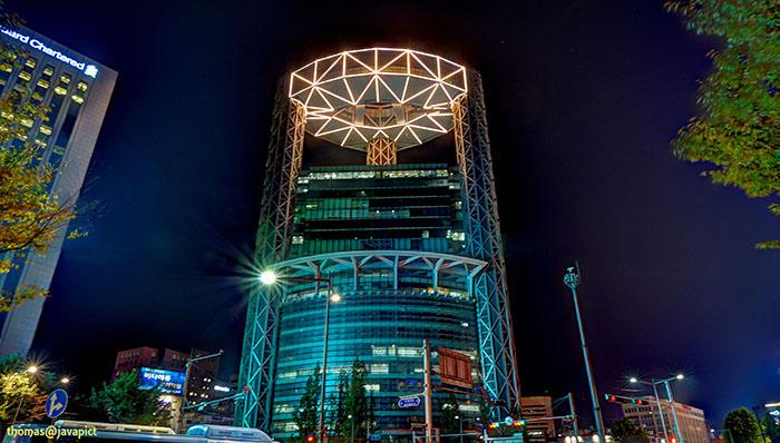 Небоскреб Samsung Jongno Tower в Сеуле: ночной кадр