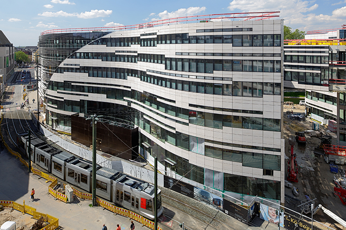 Многофункциональный комплекс 'Кё-Боген' в Дюссельдорфе, Германия