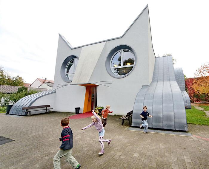 Детский сад в форме кота в Карлсруэ, Германия