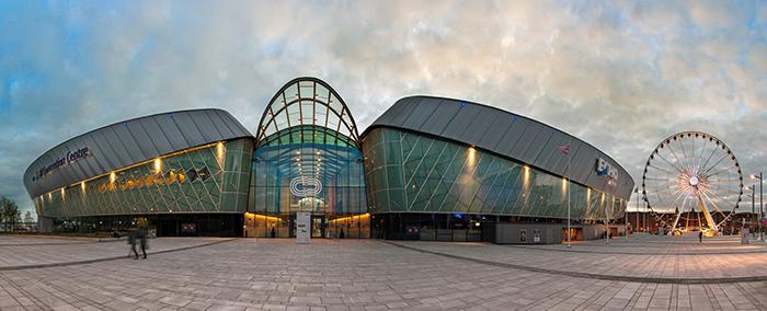 Конференц-центр и спортивный центр «Эхо-арена» в Ливерпуле, Англия