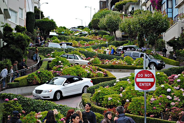 Ломбард-стрит в Сан-Франциско, США