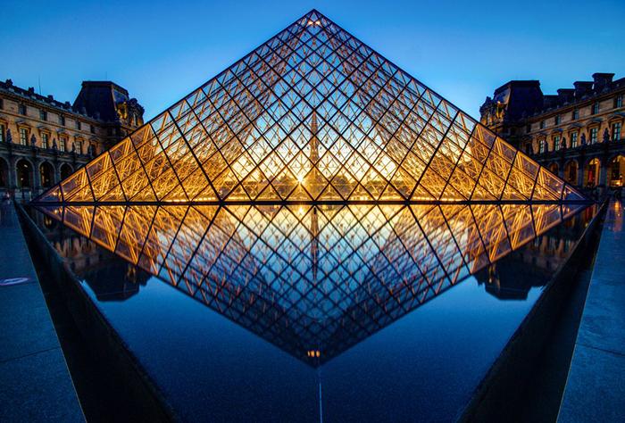 """""""Піраміда"""