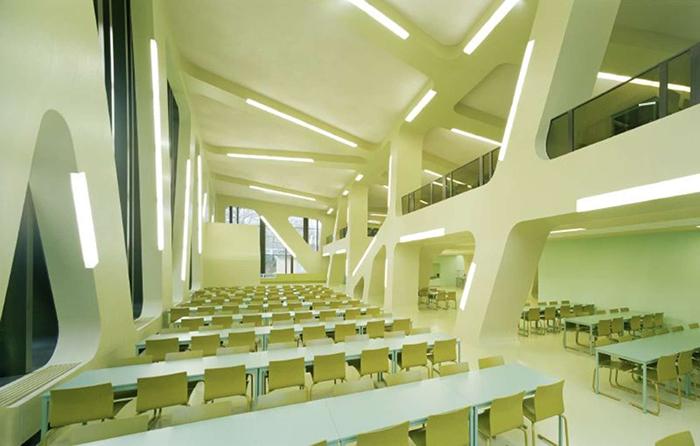 Студенческая столовая Менса Мольтке в Карлсруэ: интерьер помещения