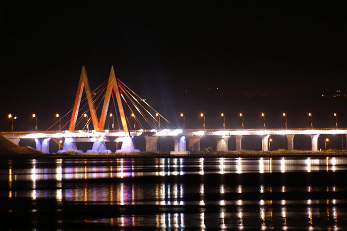 Мост «Миллениум»: ночной кадр