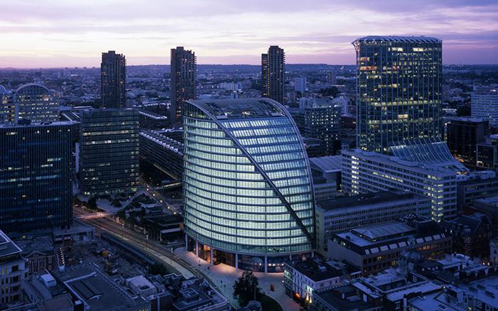 Небоскреб «Мур-Хаус» в Лондоне с высоты птичьего полета