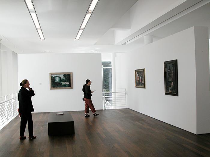 Музей современного искусства Фридера Бурды в Баден-Бадене: интерьер помещения