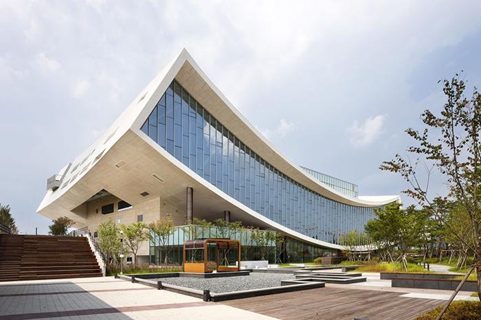Национальная библиотека в Сечжоне