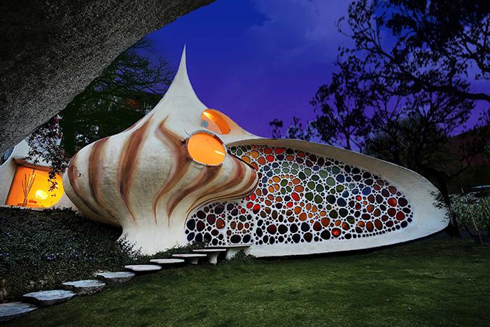 Жилой дом в форме ракушки в Мехико, Мексика