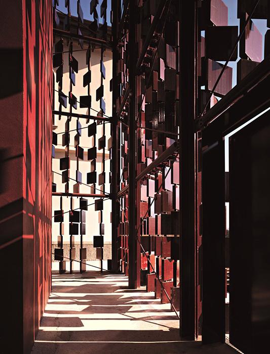 Библиотека в Нембро: интерьер помещения
