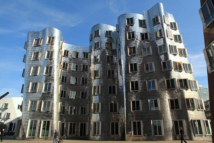 Многофункциональный комплекс Neuer Zollhof в Дюссельдорфе