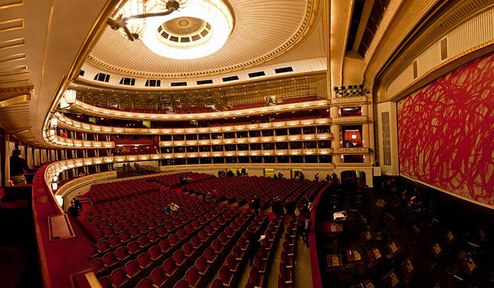 Здание государственной оперы в Вене: интерьер зрительного зала