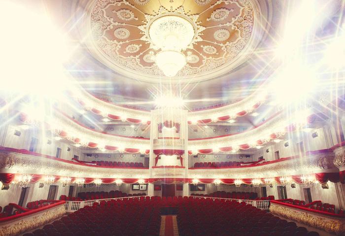Татарский академический государственный театр оперы и балета: интерьер зрительного зала