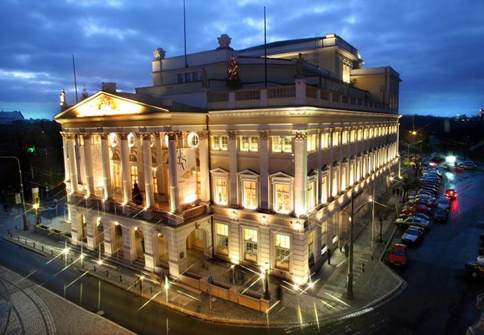 Оперный театр во Вроцлаве: ночной кадр