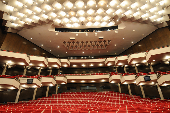 Оперный театр в Дортмунде: интерьер зала