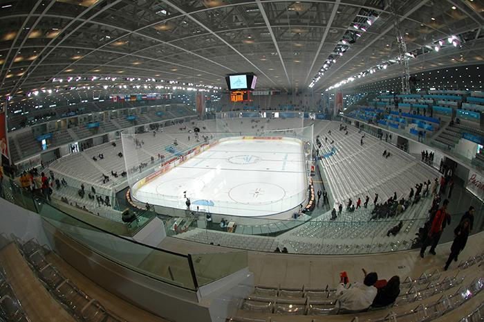 Олимпийская арена «Паласпорт Олимпико» в Турине: вид с трибун