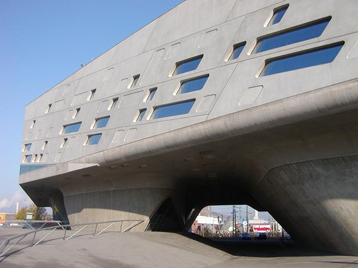 Научный центр Phaeno в Вольфсбурге