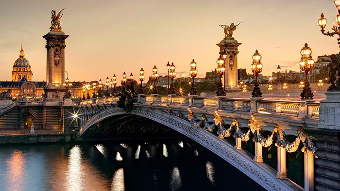 Мост Александра III в Париже, Франция