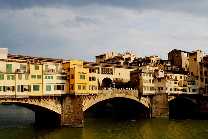 Мост 'Понте-Веккьо' во Флоренции, Италия