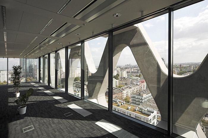 Офисный центр Prosta Tower в Варшаве: интерьер помещений