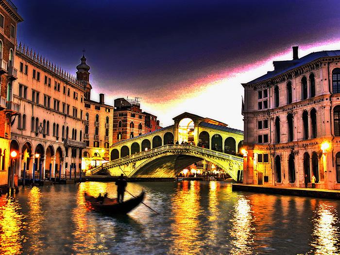 Мост 'Риальто' в Венеции