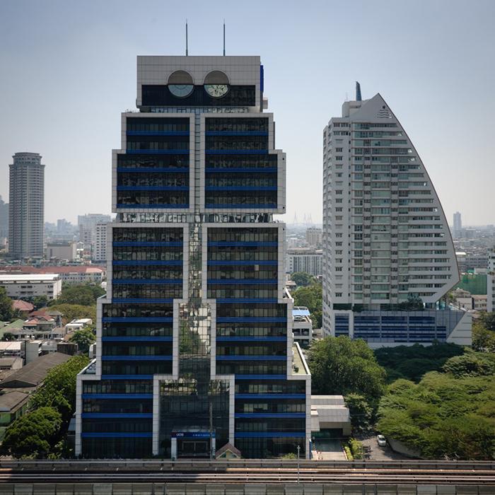 Здание-робот в Бангкоке