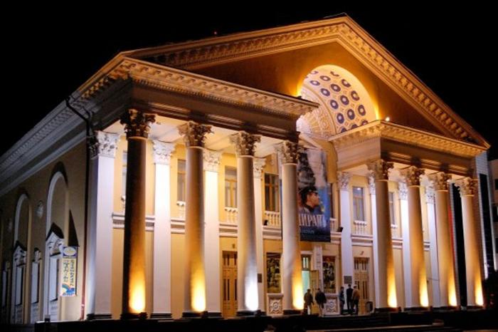 Кинотеатр «Родина»: ночной кадр