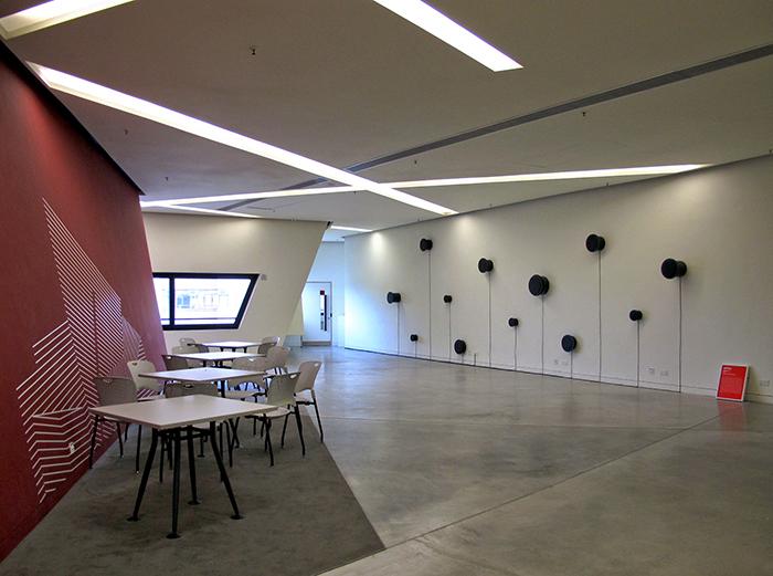Медиа-центр Runu Run Shaw в Гонконге: интерьер помещения
