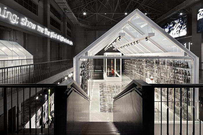 Интерьер музея стекла