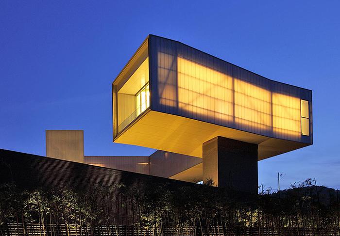 Художественный музей в Нанкине: ночной кадр