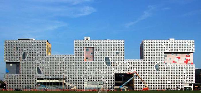 Студенческое общежитие Массачусеттского технологического института «Симмонс Холл» в Бостоне, США