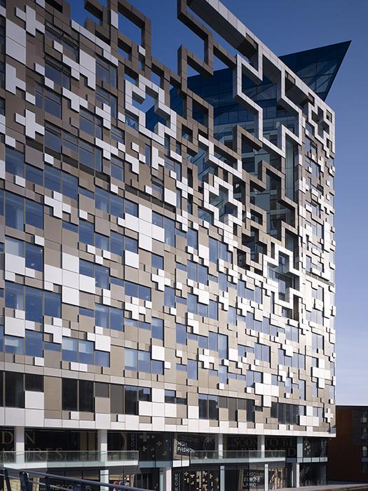 Многофункциональный комплекс «Куб» в Бирмингеме: фрагмент фасада