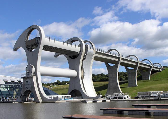 Мост-судоподъемник 'Фолкеркское колесо' в Фолкерке, Шотландия