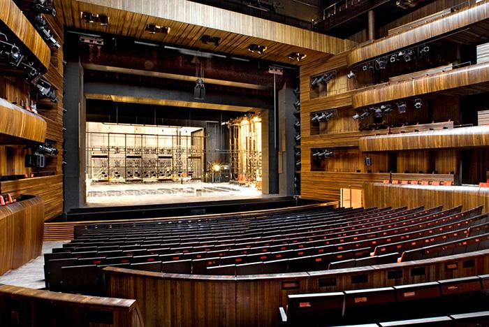 Оперный театр в Осло: интерьер зала